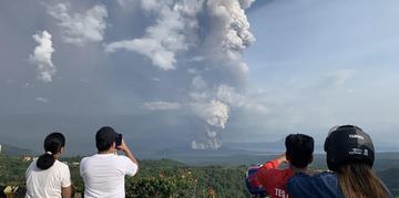 A última erupção do Taal ocorreu em 1977