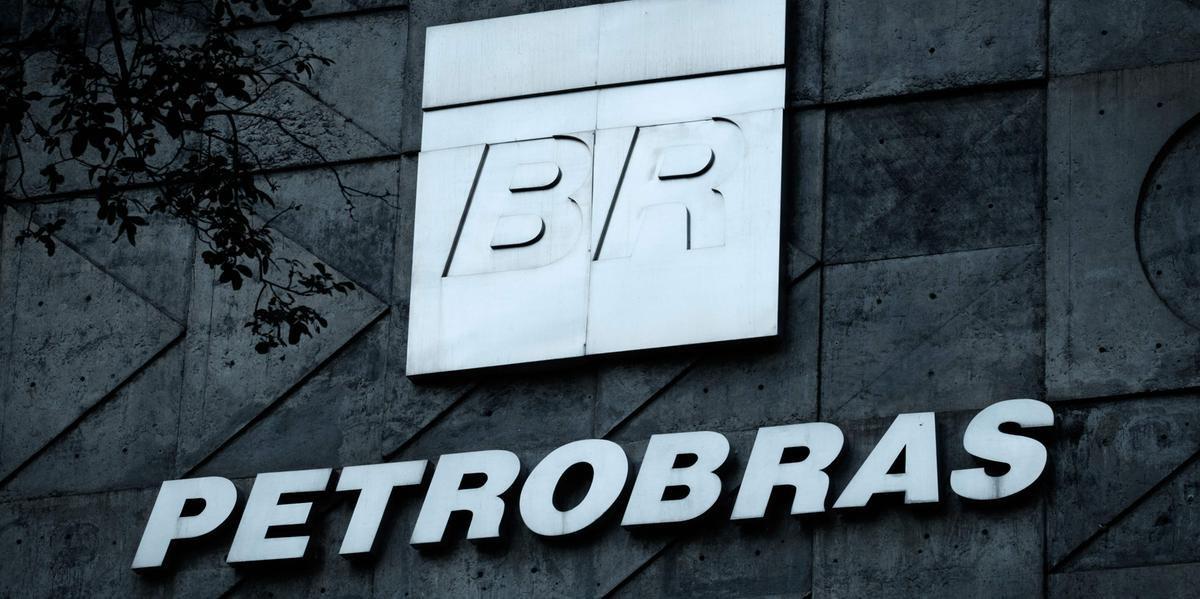 A Petrobras anunciou queda do preço da gasolina e do diesel, puxada pela redução do preço do petróleo no mercado internacional