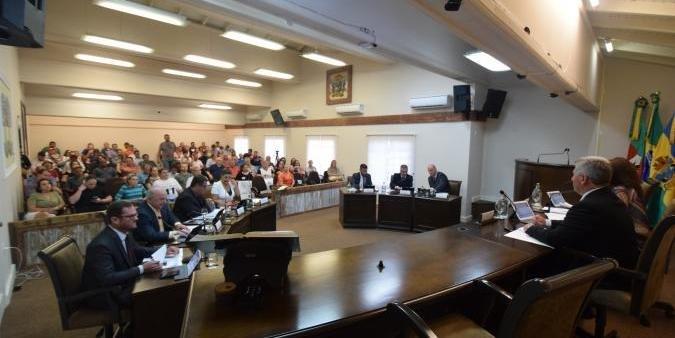 Plenário rejeitou projetos que previam o asfaltamento da ERS 373 e a construção de uma escola infantil