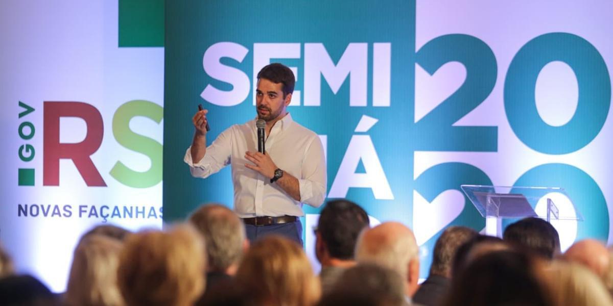 Governador Eduardo Leite durante o seminário 2020