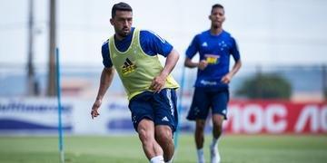 Edílson permanece no Cruzeiro para a temporada 2020