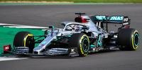 Lewis Hamilton deu as primeiras voltas no shakedown do W11