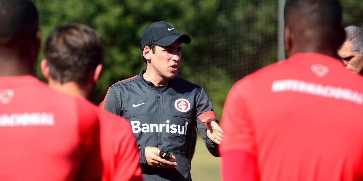 Ricardo Cobalchini chegou a comandar três jogos do Inter no Brasileirão do ano passado