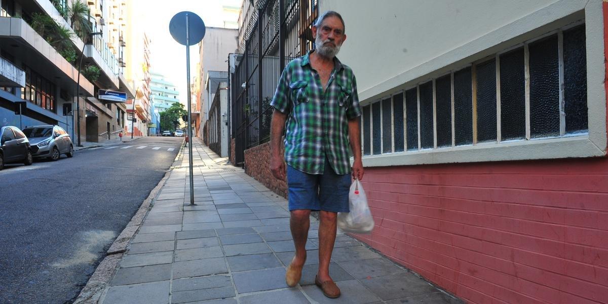 Prefeitura ampliou a restrição para idosos saírem às ruas