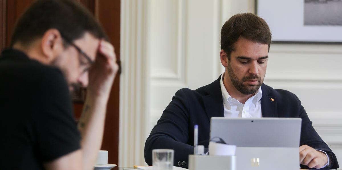 Reuniões do governador têm sido realizadas por teleconferência