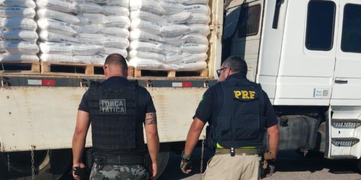 Operação resultou na apreensão de 30 quilos de cocaína na prisão em flagrante de um homem por tráfico de drogas