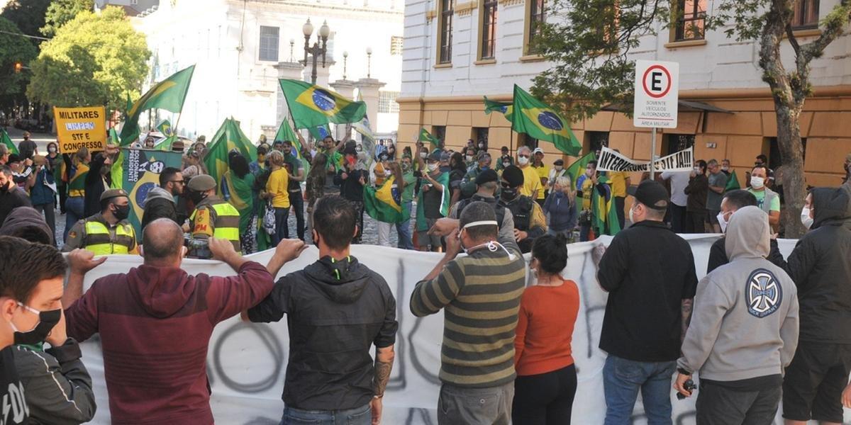 Grupos trocaram palavras de ordem, mas sem confronto direto