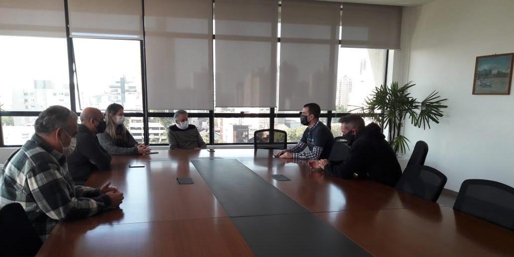 Prefeito de São Leopoldo, Ary Vanazzi, se reuniu nesta sexta-feira com empresários de academias e centros de treinamento
