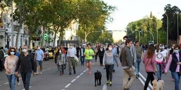Países europeus começam a relaxar medidas de distanciamento social