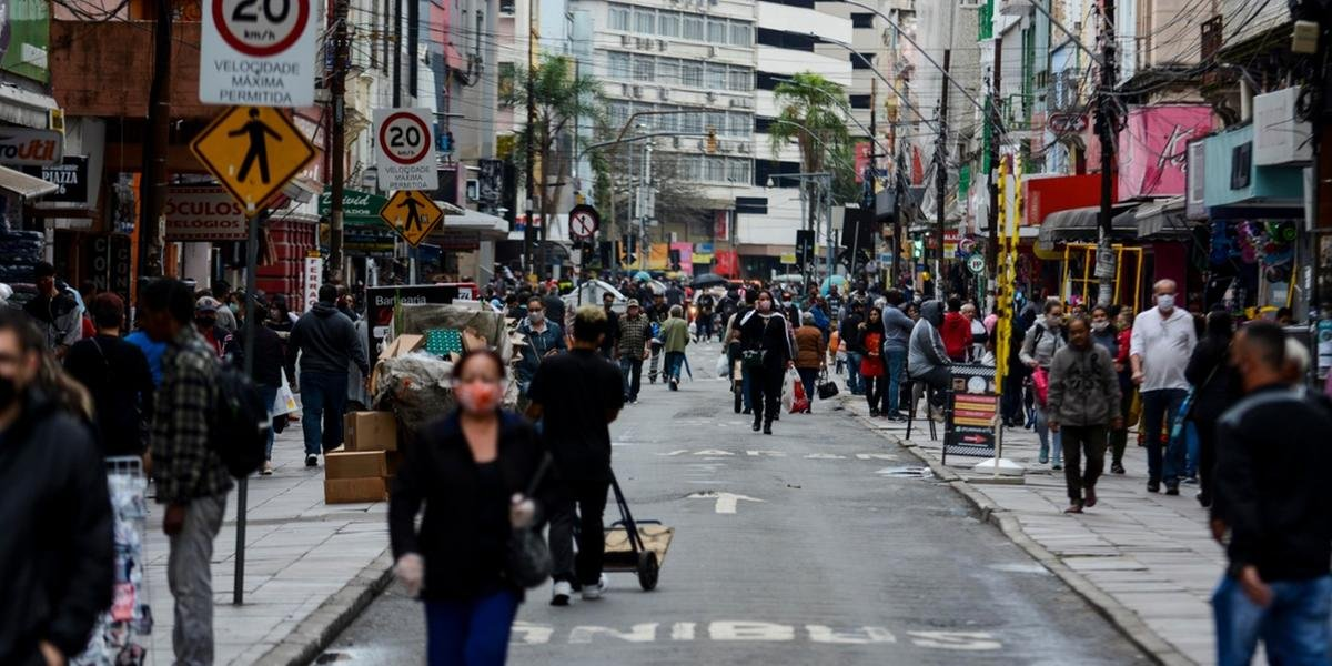 Porto Alegre continua com bandeira laranja