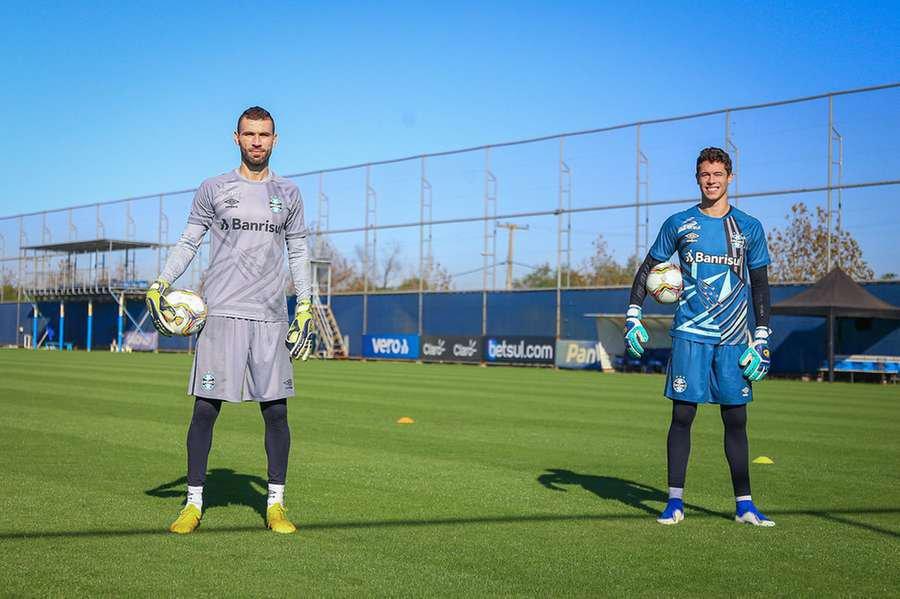 Goleiros do Grêmio também utilizaram os modelos para a temporada 2020