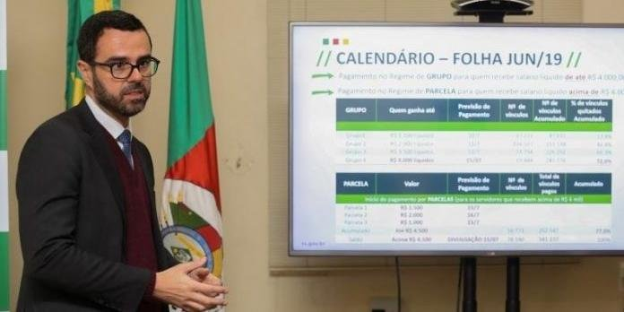 O secretário da Fazenda explicou que o RS precisará de duas faixas do auxílio federal para efetuar os pagamentos de maio