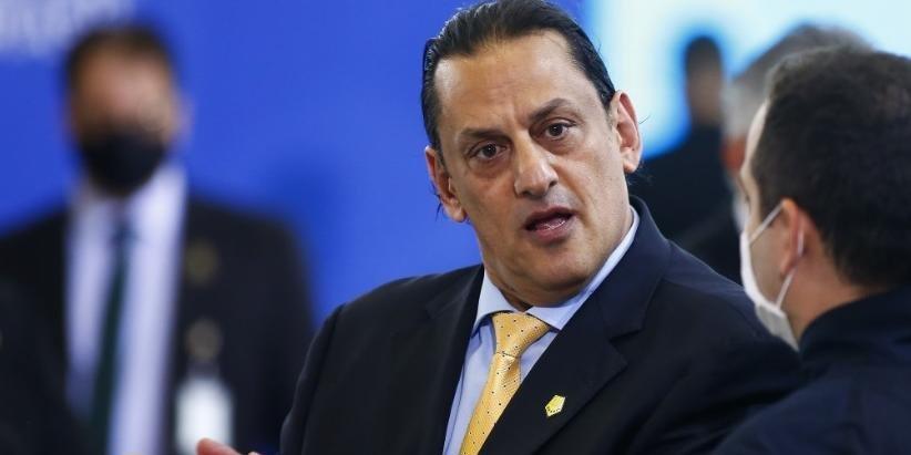 Wassef diz que Queiroz seria morto e que tentariam incriminar a família Bolsonaro