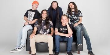 Uma das atrações da estreia do projeto é a banda gaúcha Chimarruts, que toca neste sábado, às 20h
