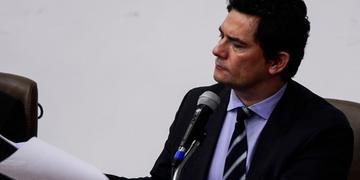 Moro afirmou que a publicação seria retirada de revista para reavaliação