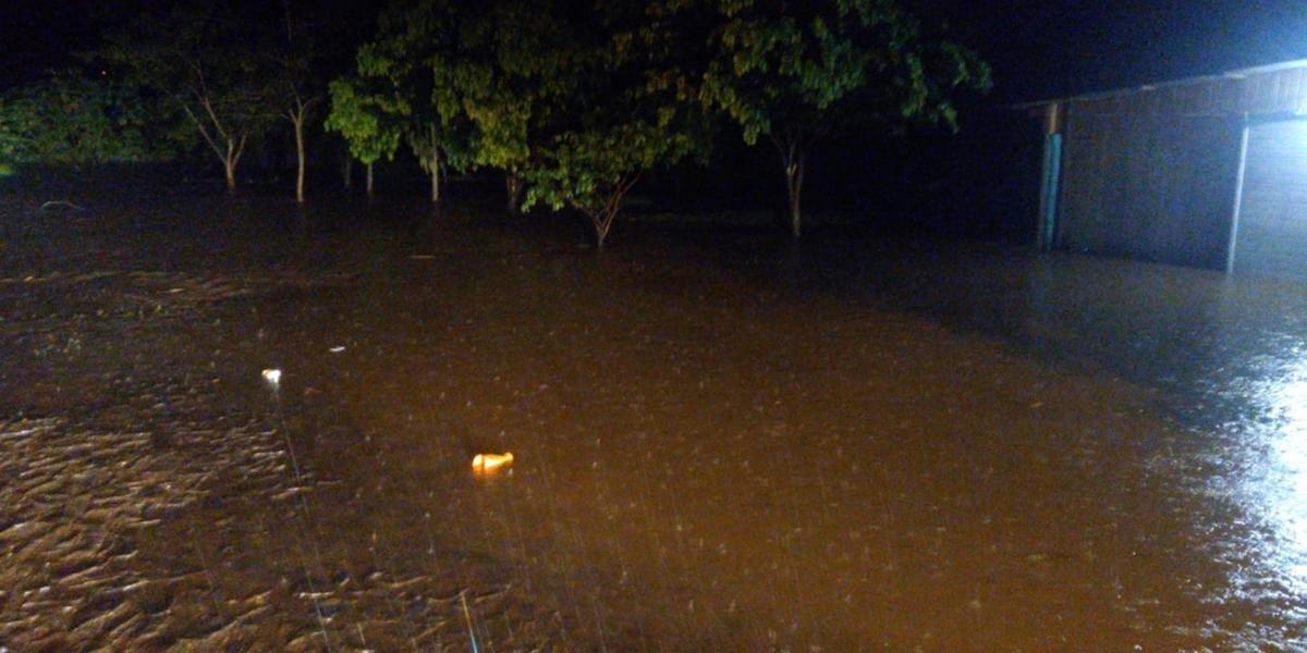 Pluviômetro no centro da cidade na sede dos Bombeiros, marcou 124.6 mm nas últimas 24h.