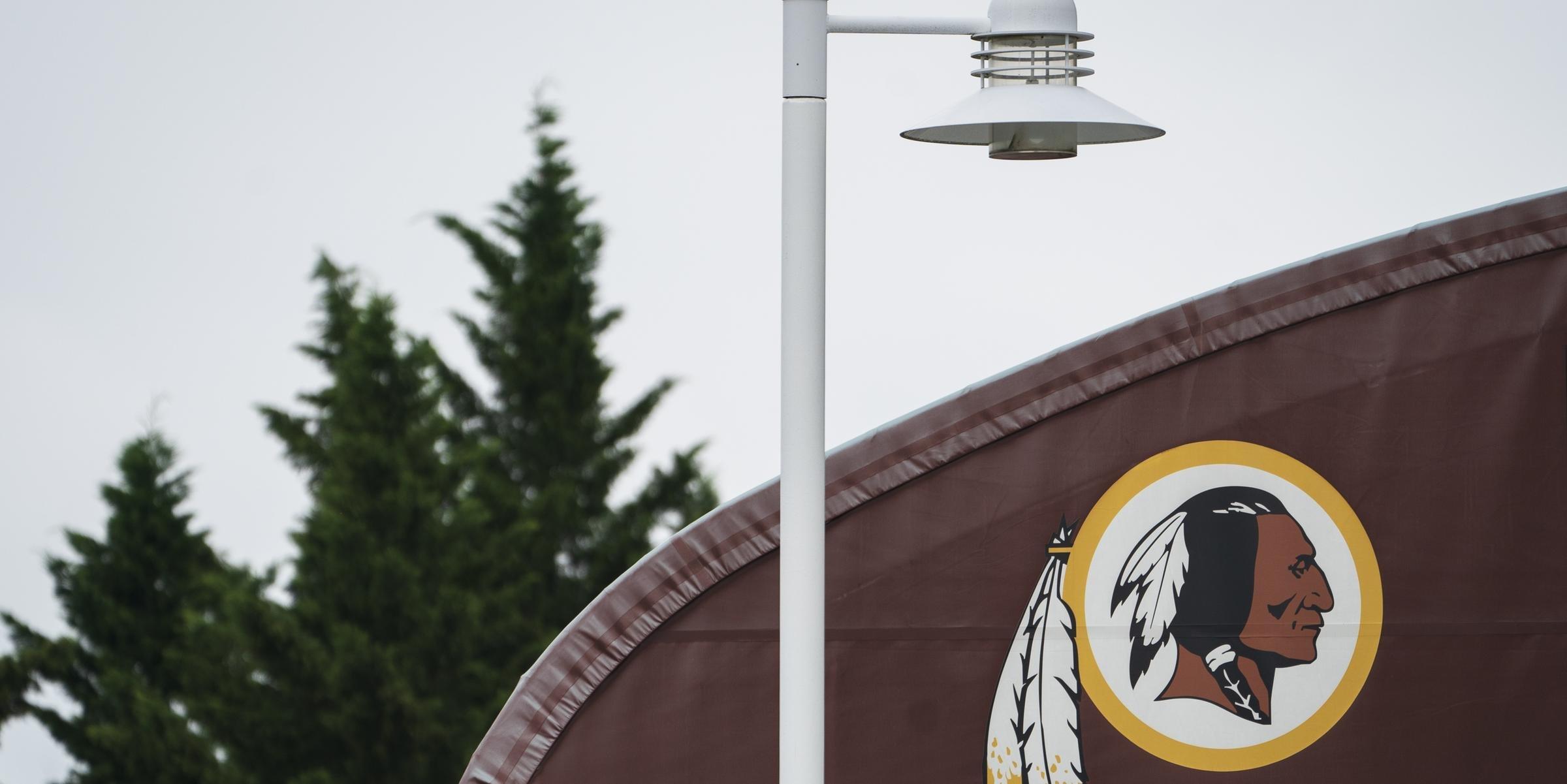 Washington Redskins fará mudança no nome