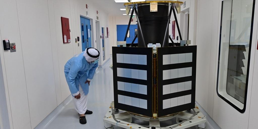 Lançamento de sonda árabe com destino à Marte é adiado por condições meteorológicas