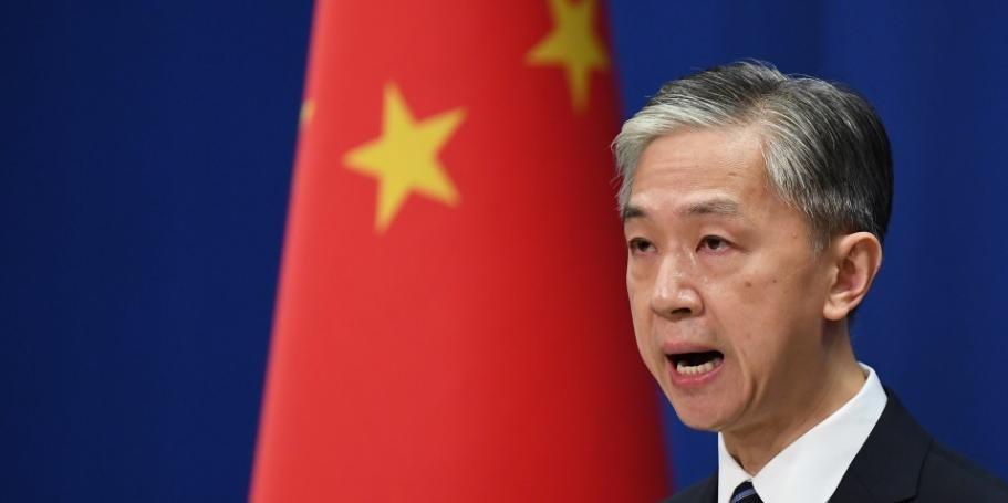 China responde a Washington e fecha consulado americano