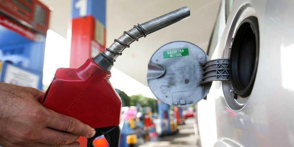 Alta nos combustíveis puxa prévia da inflação para 0,30% em julho, aponta IBGE