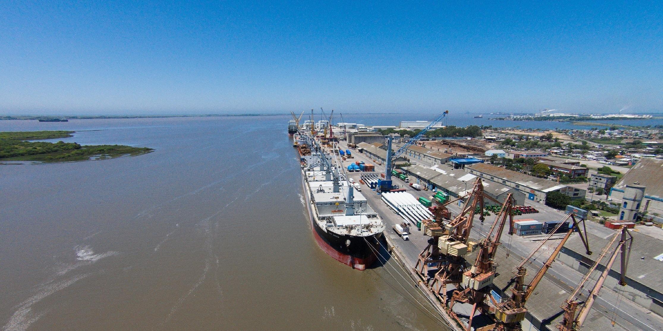 Aumento da capacidade de calado do porto de Rio Grande de 40 para 60 pés permitiria redução nos custos de embarque
