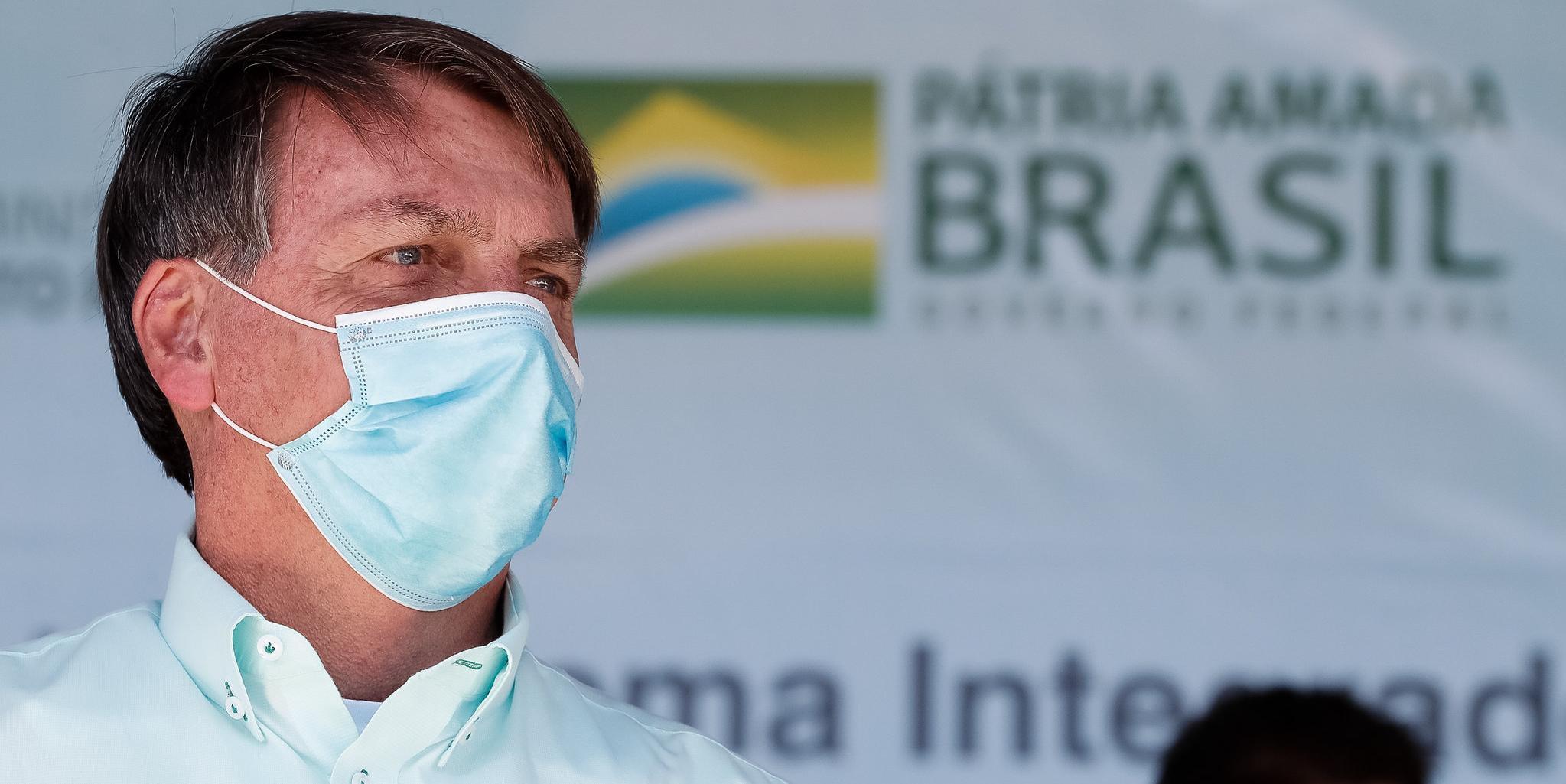 Guedes tenta convencer Bolsonaro a aceitar o envio do projeto com a possibilidade de aumentar a faixa de isenção do IRPF