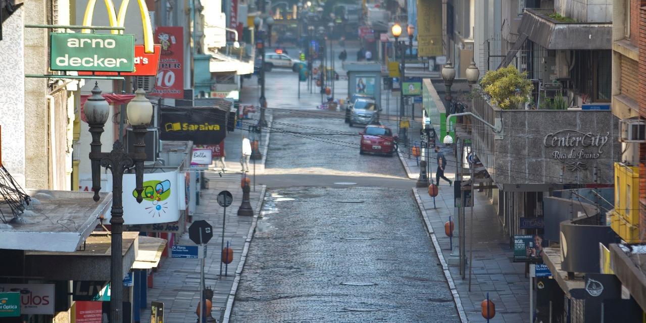Entidade de lojistas critica impasse sobre decreto municipal