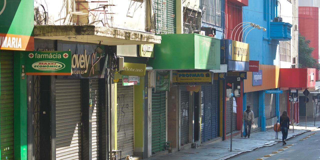 Após liminar barrar comércio, Porto Alegre adota cautela em decreto que vai liberar economia