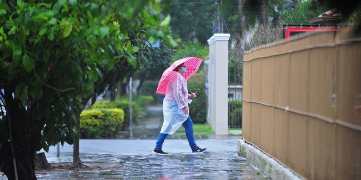 Chuva deve atingir metade Norte do RS nesta terça-feira