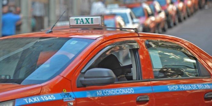 Prefeitura lançou pregão para aplicativo de táxis