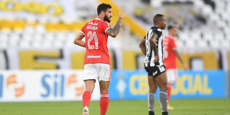 Boschilia e Thiago Galhardo marcaram os gols do Inter neste sábado