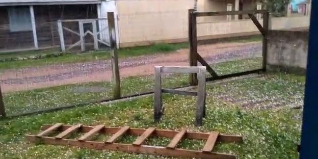 Granizo em Imbé surpreendeu moradores neste sábado