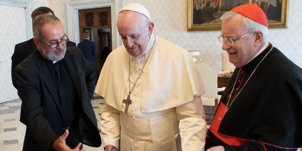 Papa viajará para fora de Roma em outubro