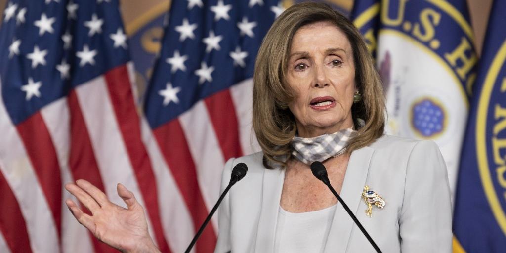 Pelosi afirma que o Congresso americano pretende defender o Acordo de Belfast