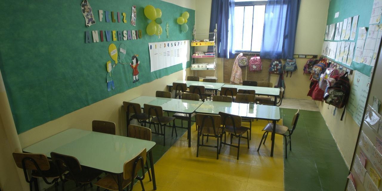 OMS pede que seja garantido o ensino à distância, durante o fechamento das escolas