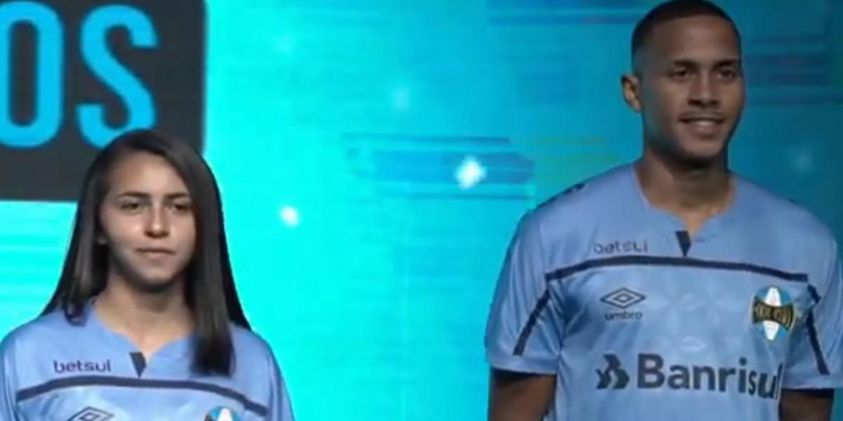 Grêmio apresentou novo uniforme na noite desta terça-feira