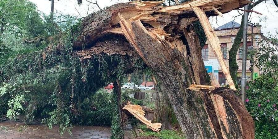 Santo Ângelo também registrou danos provocados pelo temporal de hoje