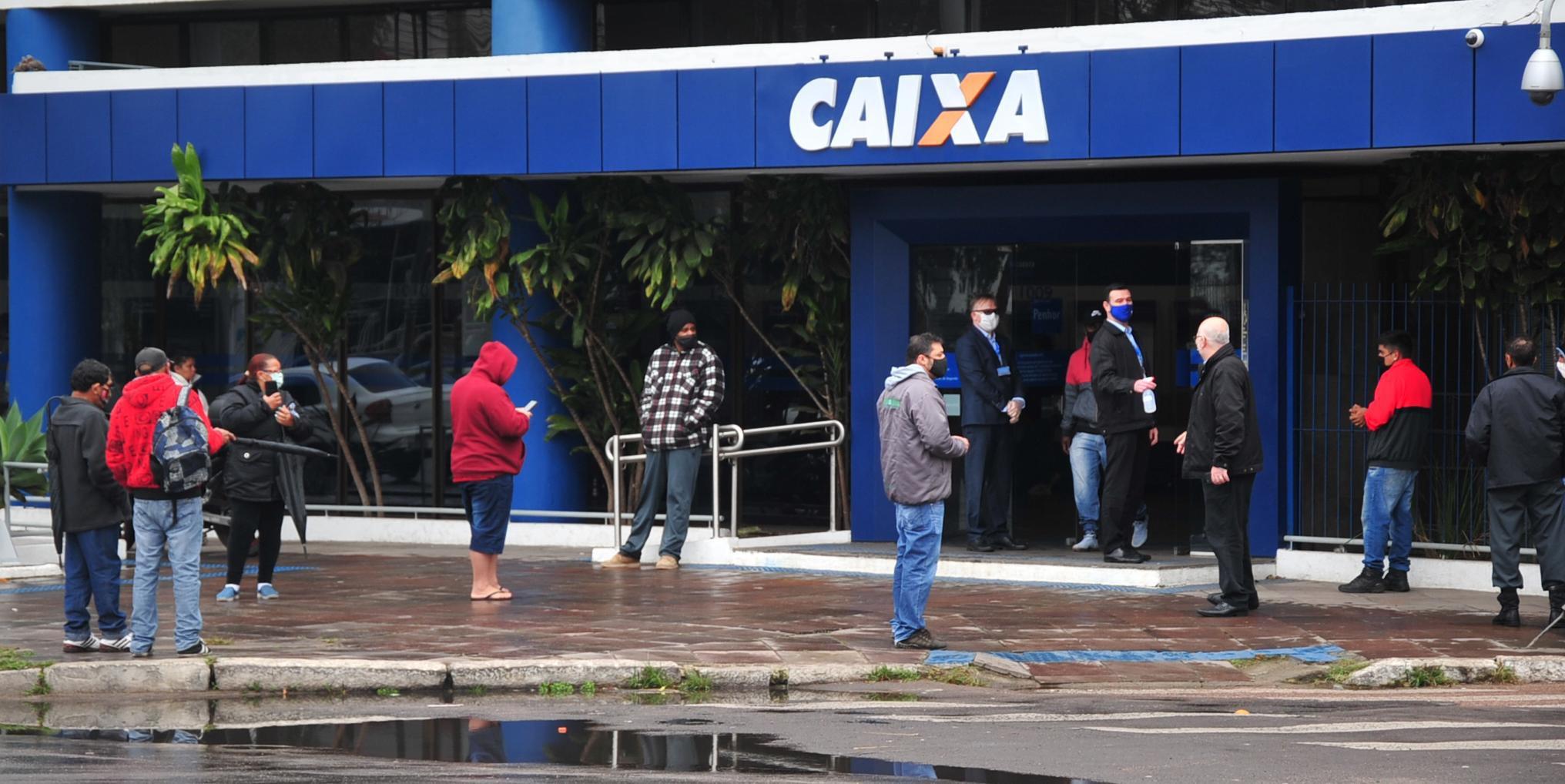 Beneficiários do Bolsa Família começam a receber nova parcela do auxílio de R$ 300