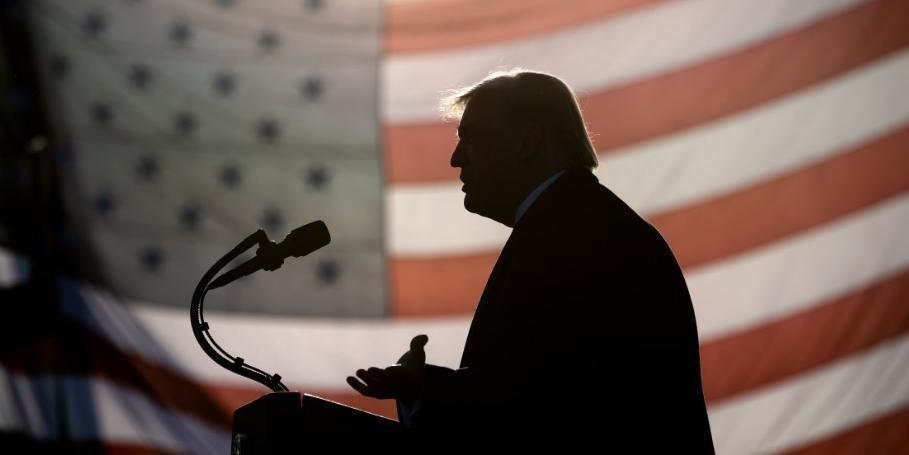 Segurança intercepta envelope com veneno enviado a Trump