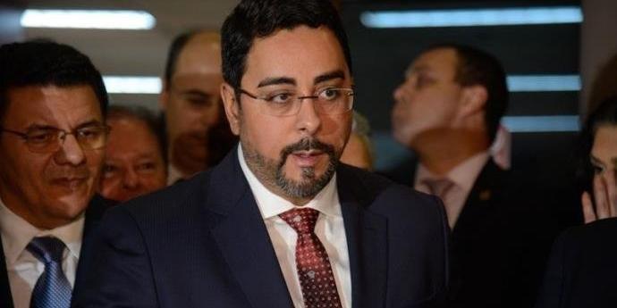 Bretas também bloqueou R$ 32,1 milhões do associado de Zanin, Roberto Teixeira, e outros R$ 237 mil do escritório de advocacia dos criminalistas