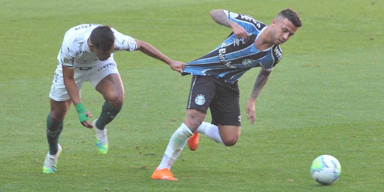 Grêmio marcou o gol de empate nos descontos do jogo contra o Palmeiras