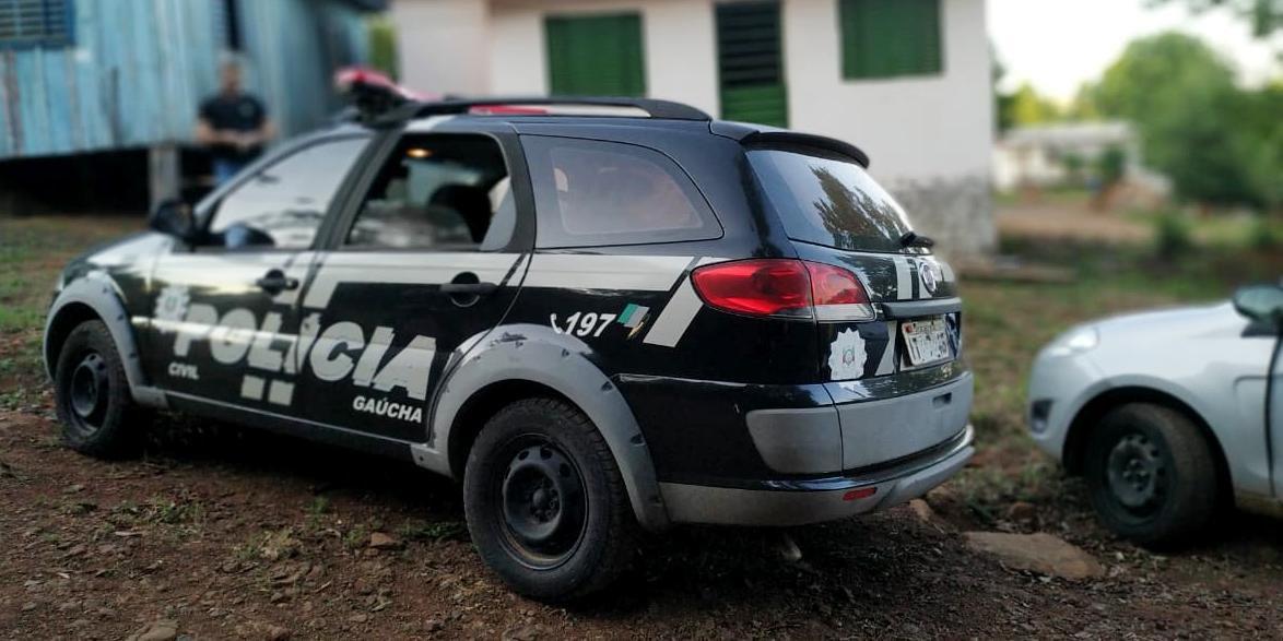Cerca de 175 policias foram mobilizados com 53 viaturas para o cumprimento das ordens judiciais