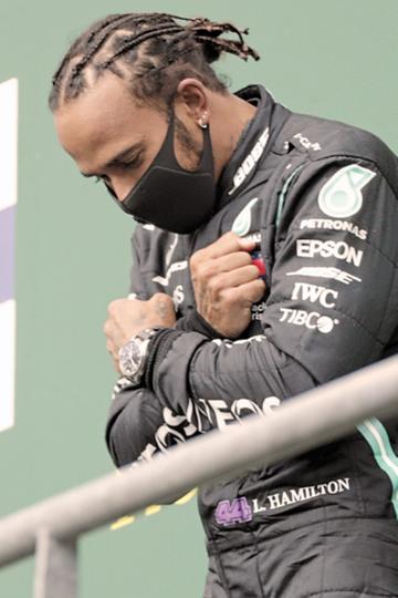 O piloto inglês de Fórmula 1 Lewis Hamilton tem se posicionado fortemente sobre questões sociais.