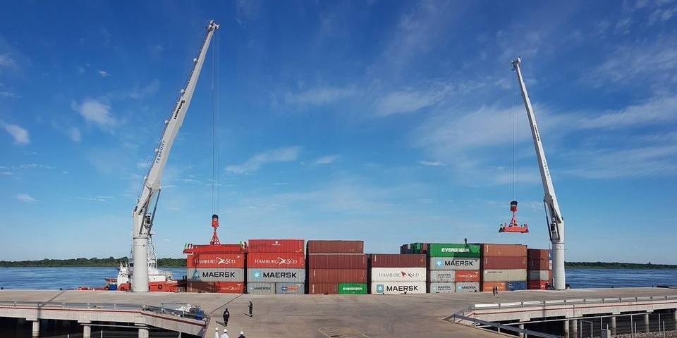 O contêiner chegou no início desta semana ao porto privado Terport, na cidade de Villeta, nos arredores de Assunção