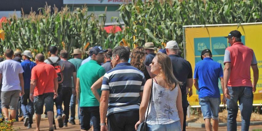 A feira ocorreu neste ano, antes das proibições de aglomeração pelo Governo do Estado por causa da pandemia de Covid-19
