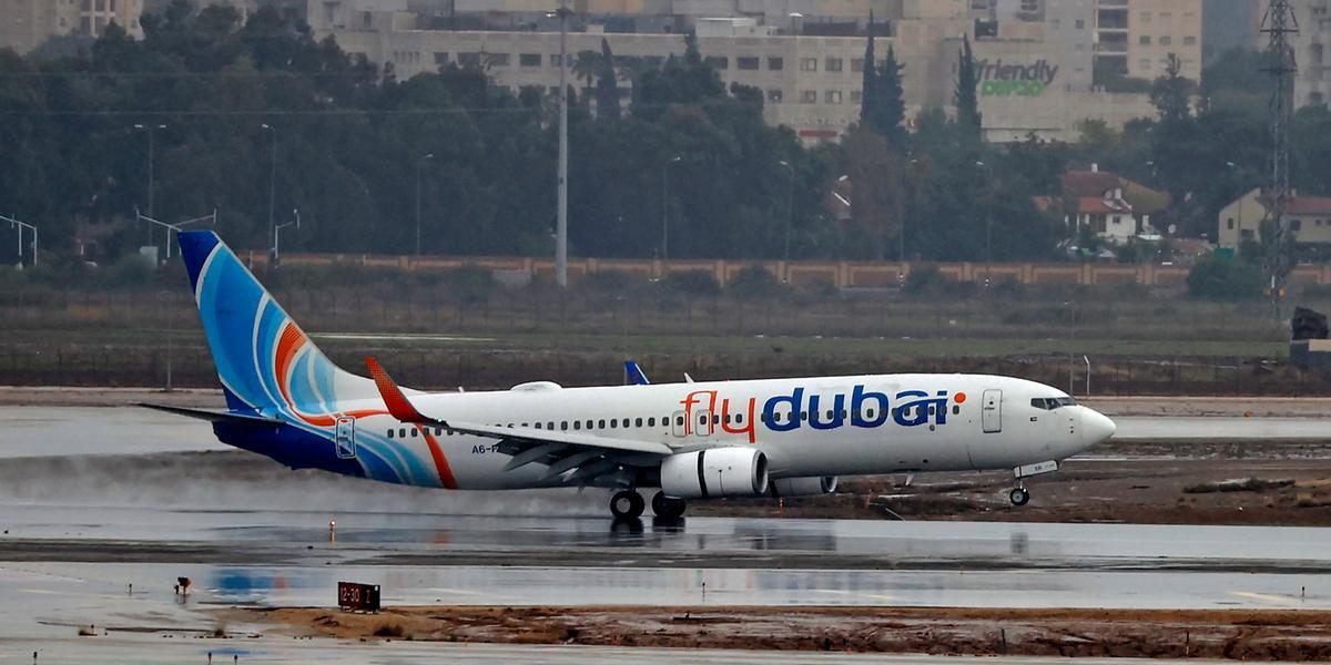 Avião aterrissa no aeroporto Ben Gurion