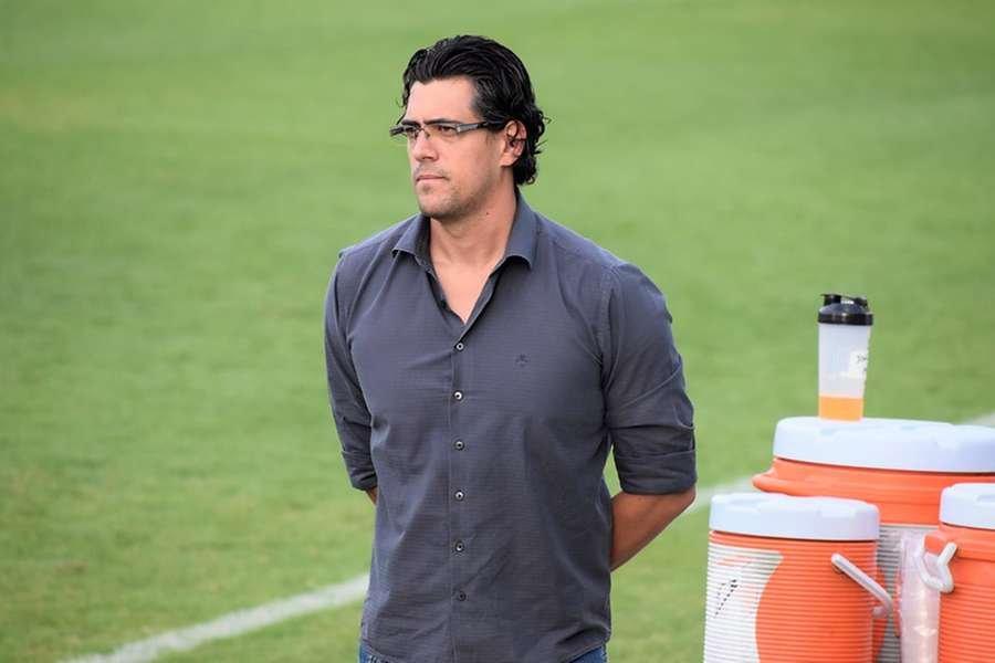 Diretor executivo de futebol do América-MG, Paulo Bracks