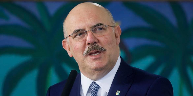 Ministro Milton Ribeiro afirmou que o Enem não será adiado novamente