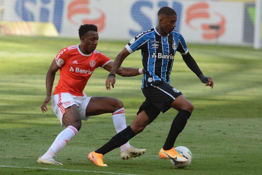 Moisés e Jean Pyerre tiveram bons desempenhos no Gre-Nal válido pela 32ª rodada do Brasileiro, no estádio Beira-Rio