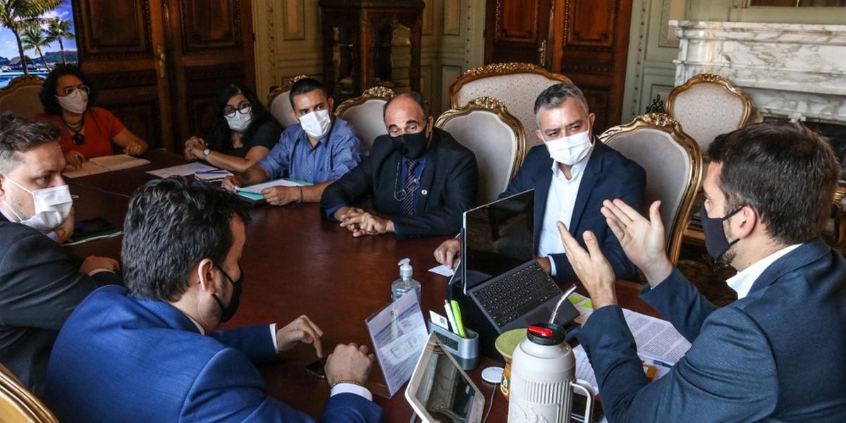 Reunião contou ainda com o chefe da Casa Civil, Artur Lemos, e o secretário de Agricultura, Covatti Filho